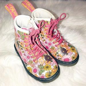 Dr. Marten Brooklee vintage daisy floral boots 7